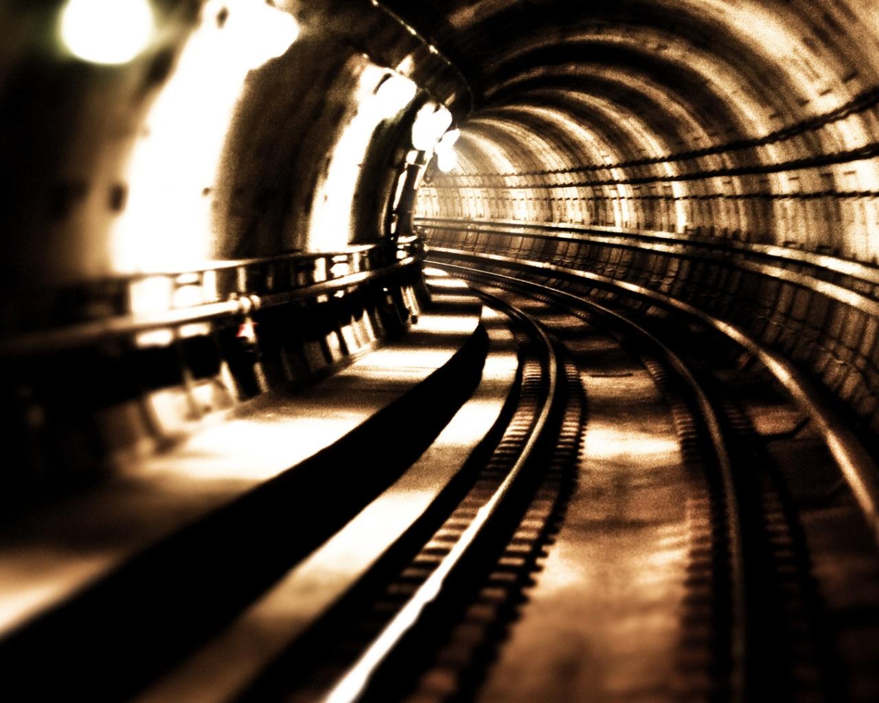 kreativnie_oboi_tunnel_metro_podzemka_90882978011.jpg